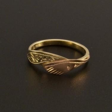 Zlatý prsten ručně zdobený 14 č.1