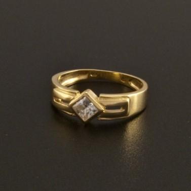 Zlatý široký prsten s broušeným zirkonem 18 č.1