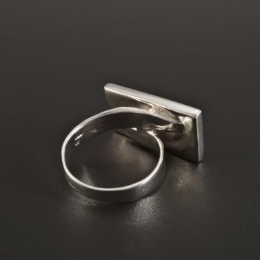 Stříbrný prsten s dvoubarevnou perletí 223 č.3
