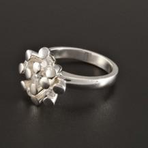 Elegantní stříbrný prsten neobvyklý tvar 231