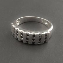 Stříbrný prsten černé zirkony 292