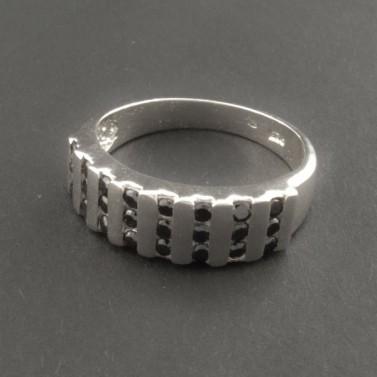 Stříbrný prsten černé zirkony 292 č.1