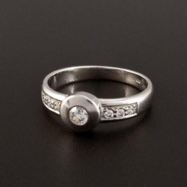 Zlatý bílý prsten zásnubní s drobnými zirkony 358 č.1
