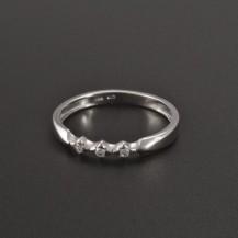 Jemný prsten bílé zlato drobné zirkony 366