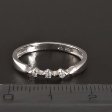 Jemný prsten bílé zlato drobné zirkony 366 č.2