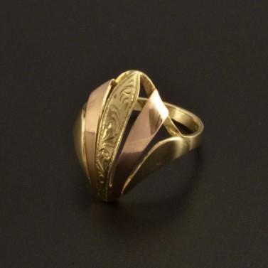 Zlatý výrazný prsten s rytinou 795 č.1