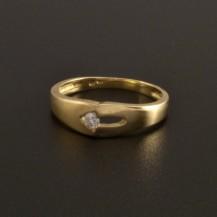 Zlatý prsten se zirkonem lesklý a matný 806
