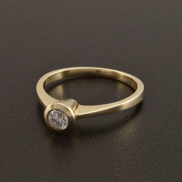 Zasnubni Prsten Zlaty S Bilym Zirkonem Goldpoint Cz