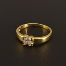 Zlatý zásnubní prsten čtvercový zirkon 1374