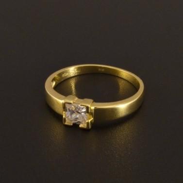 Zlatý zásnubní prsten čtvercový zirkon 1374 č.1