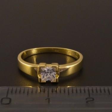 Zlatý zásnubní prsten čtvercový zirkon 1374 č.2