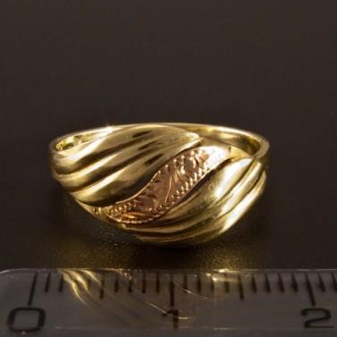 Nápadný zlatý prsten 1394 č.2