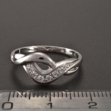 Lesklý bílý prsten se zirkony 2338 č.3