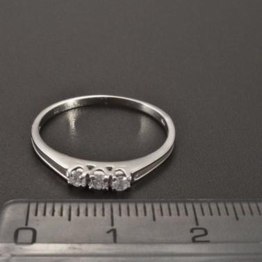 Jemný prstýnek z bílého zlata 2347 č.2