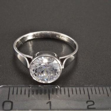 Zásnubní prsten s kulatým zirkonem z bílého zlata 2566 č.2