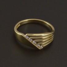 Zlatý hladký lesklý prsten zirkony 3513