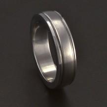 Ocelový hladký prsten s linkou 3683