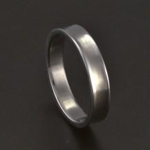 Jednoduchý lesklý prsten chirurgická ocel 3686