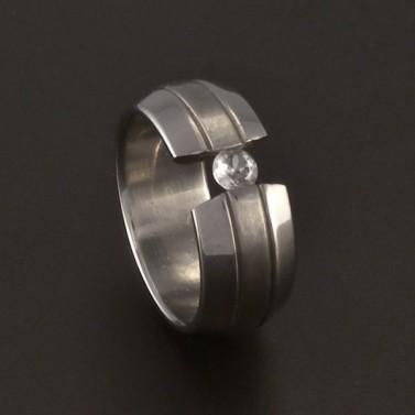Ocelový prsten mezera se zirkonem 3702 č.1