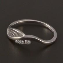Moderní prstýnek z bílého zlata 3819