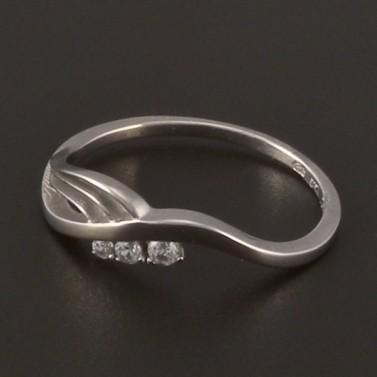 Moderní prstýnek z bílého zlata 3819 č.1