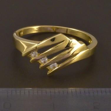 Zlatý prořezávaný prsten se zirkony 4495 č.2