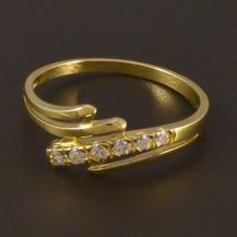 Zlatý prsten se šesti zirkony 4497