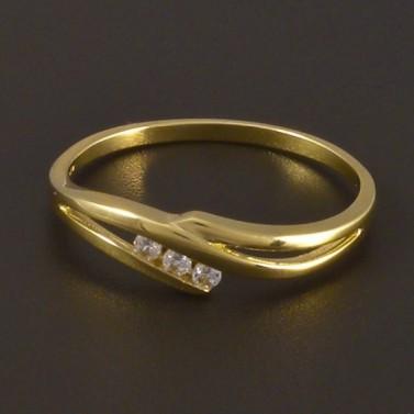 Zlatý jemný prsten se třemi zirkony 4498 č.1