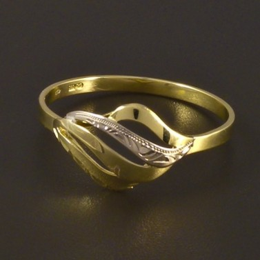 Zlatý prsten s jemnou rytinou 4511 č.1