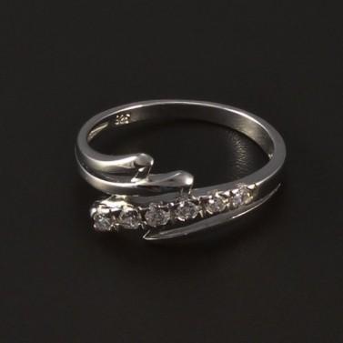 Stříbrný prsten osazen bílými zirkony 4775 č.1