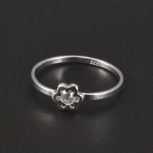 Stříbrný dětský prstýnek s kytičkou 4966