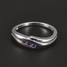 Jemný stříbrný prstýnek fialový zirkon 4969