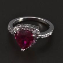 Stříbrný prsten rubín trojúhelník 5489