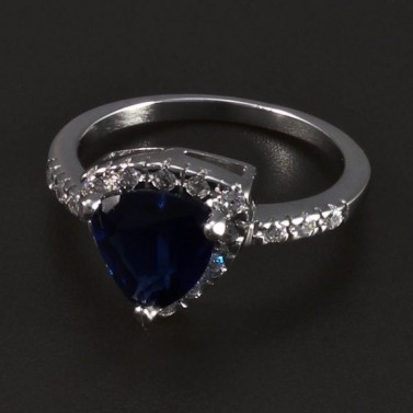 Stříbrný prsten s trojúhelníkovým safírem 5491 č.1