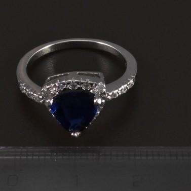 Stříbrný prsten s trojúhelníkovým safírem 5491 č.2
