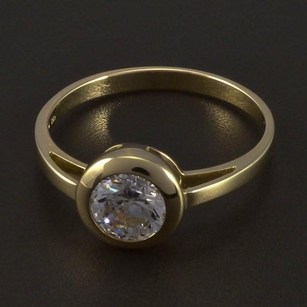 4551c6729 Zlatý zásnubní prsten s kulatým zirkonem 5545. Doprava zdarma. Zlatý ...