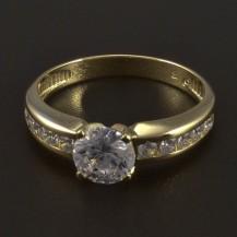 Zásnubní zlatý lesklý prsten 5554