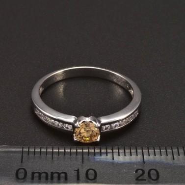 Prsten bílé zlato malý champagne zirkon 6383 č.2