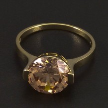 Zlatý prsten s velkým champagne zirkonem 6465