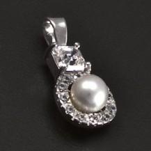 Zlatý přívěsek s perlou 6932