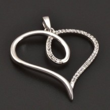 Stříbrný přívěs srdce se zirkony 7139