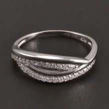 Jemný stříbrný prsten zdobený zirkony 7604