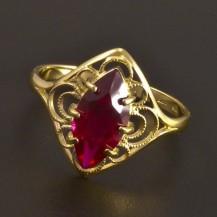 Zlatý prsten s rubínem 7765