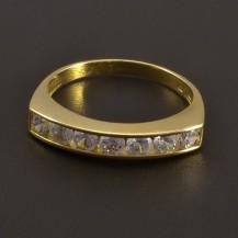 Prsten ze žlutého zlata se zirkony v řadě 7901