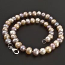 Náhrdelník s barevnými perlami 8107