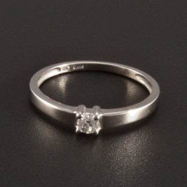 Zásnubní prstýnky zlaté, z bílého zlata i stříbrné zásnubní prstýnky