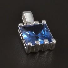 Čtvercový stříbrný přívěsek akvamarín 4807