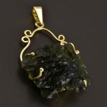 Zlatý přívěs zelený vltavín 8445