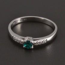 Prsten z bílého zlata smaragd 8466