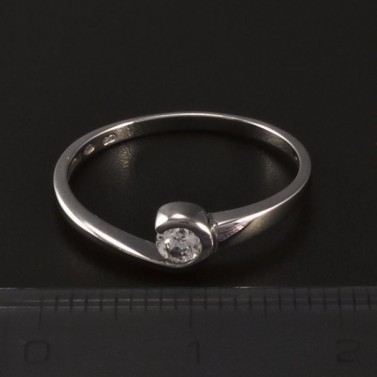 Stříbrný prsten se zirkonem 8483 č.2